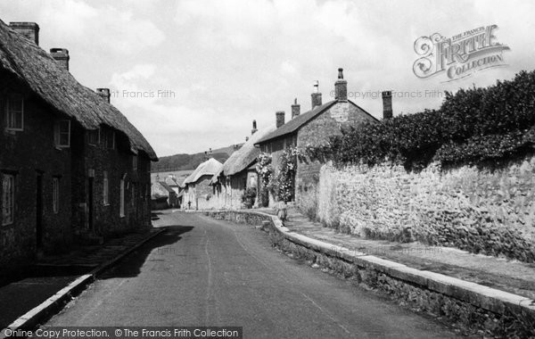Abbotsbury, The Village c.1950