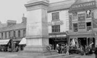 Aberdare, The Cenotaph 1937