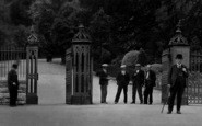 Aberdare, The Park, Entrance Gates 1937
