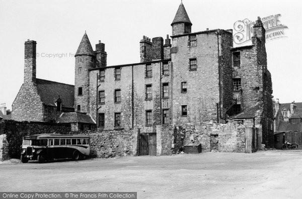 Aberdeen, Provost Skene's Mansion 1949