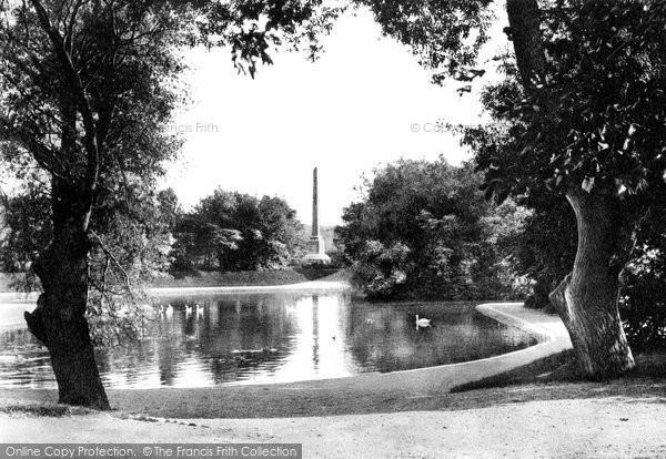 Aberdeen, The Swan Pond, Duthie Park c.1900