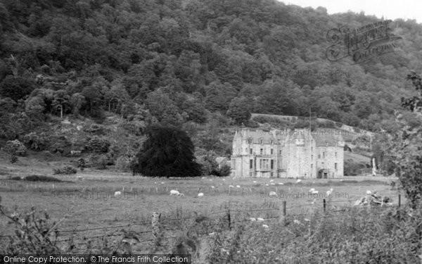 Aberfeldy, Castle Menzies 1951