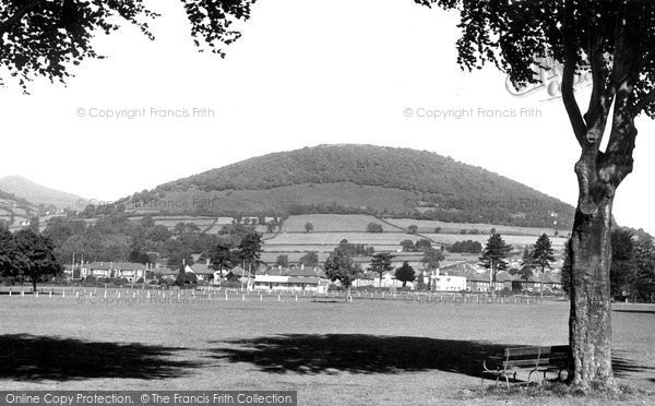 Photo of Abergavenny, the Deri from Bailey Park c1960