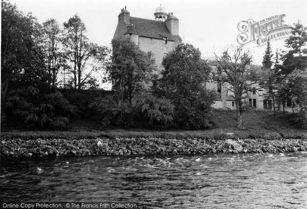 Abergeldie Castle photo