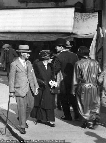 Aberystwyth, Fashion In North Parade 1925