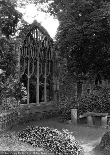 Abingdon, Abbey Gardens, Trendell's Ruins c.1945