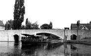Abingdon, Bridge And River Steamer c.1955