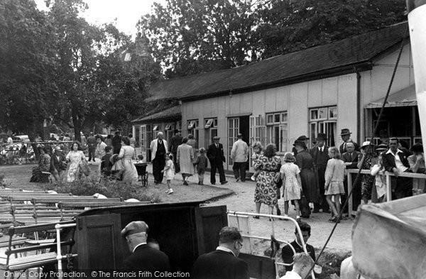 Abingdon, Bridge Restaurant And Tea Gardens c.1950