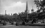 Abingdon, Christ's Hospital And St Helen's Church 1924