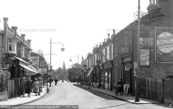Addlestone, High Street c.1955