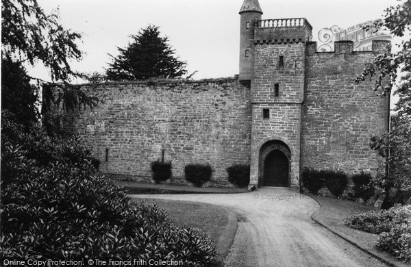 Airlie Castle photo