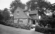 Albury, Silent Pool Cottage 1928