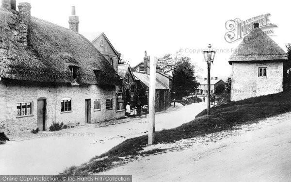 Aldbourne, Lottage 1912