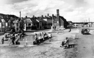 Aldeburgh, Children's Boating Pool And Moot Hall c.1960