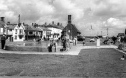 Aldeburgh, Children's Boating Pool And Moot Hall c.1965