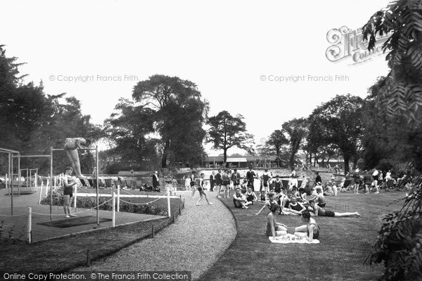 Aldershot, Bathing Pool 1931