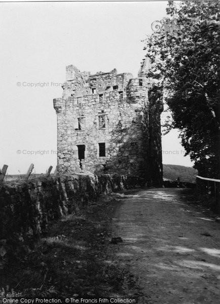 Alford, Tillycairn Castle 1950