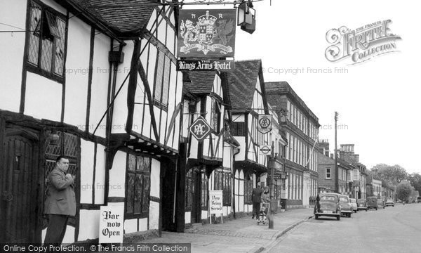 Amersham, The King's Arms Hotel c.1955
