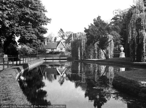 Amwell Hill, The New River c.1955