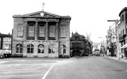 Andover, Guildhall And High Street c.1960