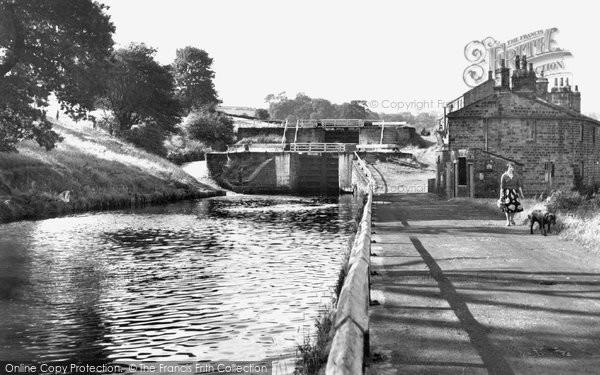 Apperley Bridge, Apperley Locks c.1955