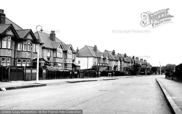 Ardleigh Green, Squirrels Heath Lane c.1955