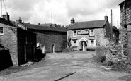 Arkengarthdale, the Red Lion, Longthwaite c1960
