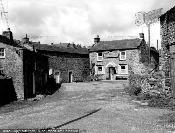 Photo of Arkengarthdale, the Red Lion, Longthwaite c1960