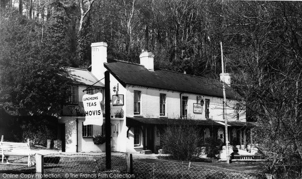 Arundel, Black Rabbit Inn c.1960