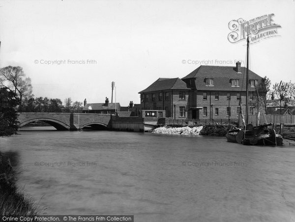 Arundel, The River Arun And Hotel 1936