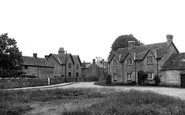Ascott-Under-Wychwood, The Green 1950