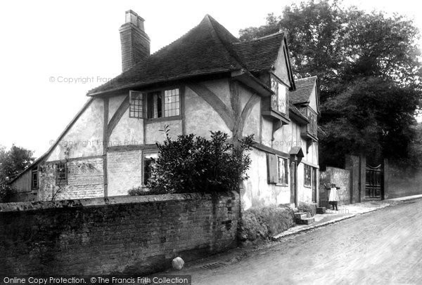 Photo of Ashford, East Hill, old cottages 1903
