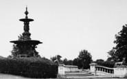 Ashford, Victoria Park Fountain c.1950