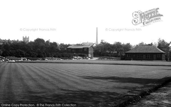 Atherton, Bowling Green And Tennis Courts c.1955