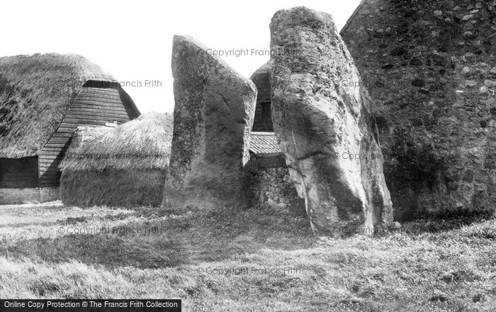 Avebury, The Cove 1899