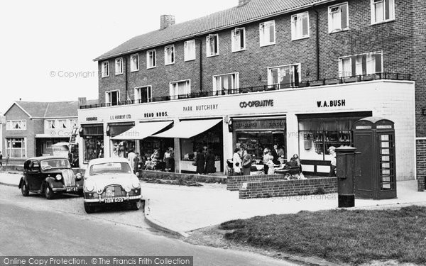 Aveley, Kennington Shopping Centre c.1960