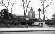 Aveley, The Memorial c.1955