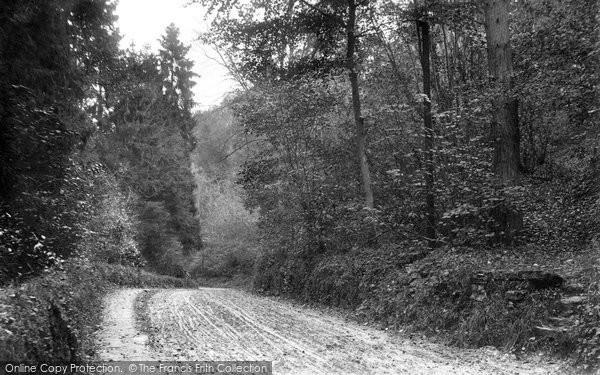 Avening, Road 1904