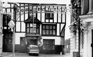 Aylesbury, The Bull's Head Hotel c.1965