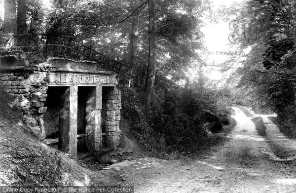 Aylesbury, The Egyptian Well, Hartwell 1901