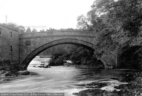 Aysgarth, The Bridge And Upper Fall 1909