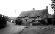 Backwell, Coombe Cottage c.1965