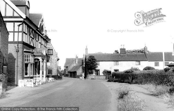 Bacton, King's Arms c.1955