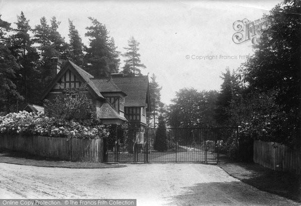 Bagshot, Park Lodge, Bracknell Road 1909