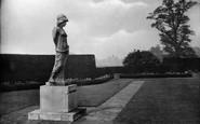 Bagshot, Park, Statue 1927