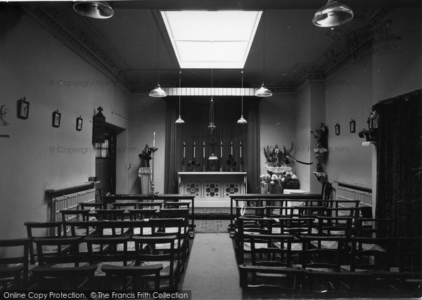 Bagshot, Roman Catholic Church Interior c.1950