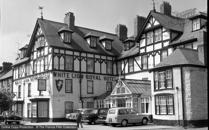 Bala, White Lion Royal Hotel 1959
