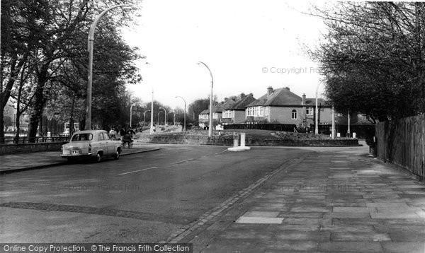 Balham, Atkins Road And Agnes Riley Gardens c.1960