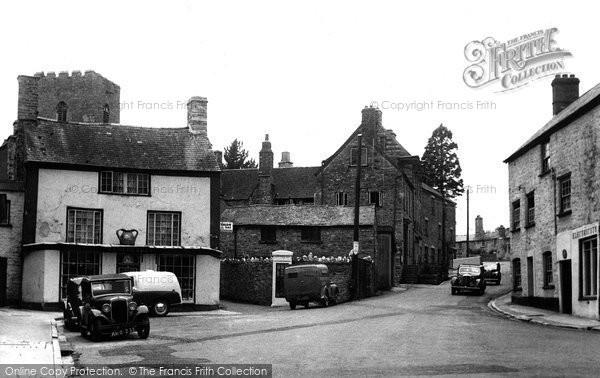 Bampton, Newton Square And Luke Street c.1955