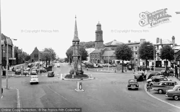 Banbury, The Cross And Horse Fair c.1960
